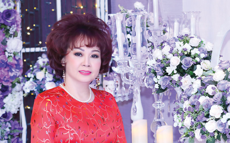 Miss Business Woman throughout the ages Ms. WAVE THI HONG VAN – A calm mind for an everlasting beauty
