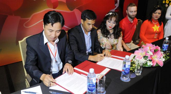 Lễ ký kết cổ đông công ty cổ phần Mua sắm thông minh – Quà tặng trao tay 4H app Happy Hearts
