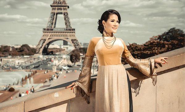 Hoa khôi doanh nhân Hoàng Hương khoe vẻ đẹp đài các ở Paris