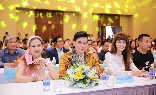 Diễn viên Nguyễn Hùng lịch lãm xuất hiện sau đăng quang Nam Vương tại Pháp