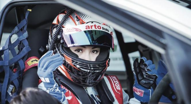 Lê Nhàn – Nữ tay đua ô tô thể thao quốc tế đầu tiên của Việt Nam