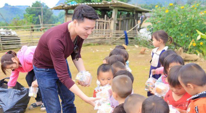 Nam vương Doanh Nhân Toàn Cầu – Bảo Toàn lặng lẽ đi từ thiện tại vùng núi Sìn hồ – Lai châu