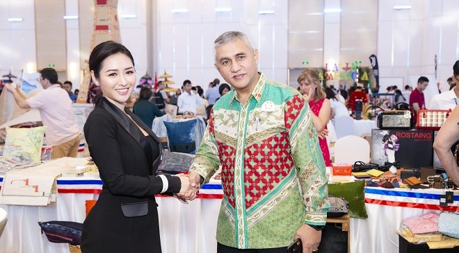 Hoa hậu Ngọc Anh Anh dành nhiều thời gian cho các hoạt động cộng đồng.