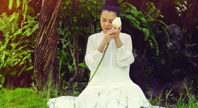 ENERGY HEALING COACH HALEY DINH NIỀM ĐAM MÊ – Yoga Thiền & Coaching