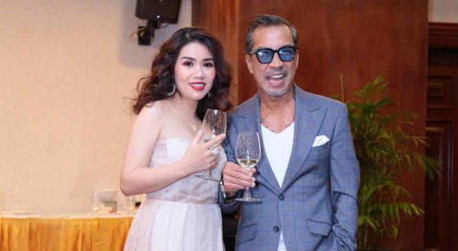 Giang Hiếu Hạnh sánh vai cùng Stylist Thuận Nguyễn tại lễ ra mắt ấn phẩm Cosmetics
